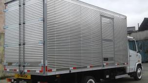 Baú de caminhão bem conservado Credibilidade