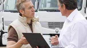 Converse-com-o-motorista-antes-de-instalar-sistema-de-monitoramento