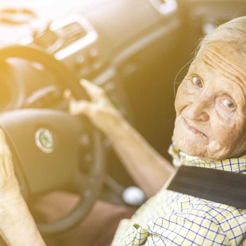 Mudanças na renovação da CNH para a terceira idade